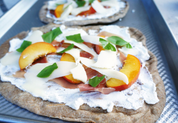 Grilled-Peach-Pizza6