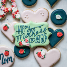 How to Trace onto Cookies (Mother's Day Cookies)